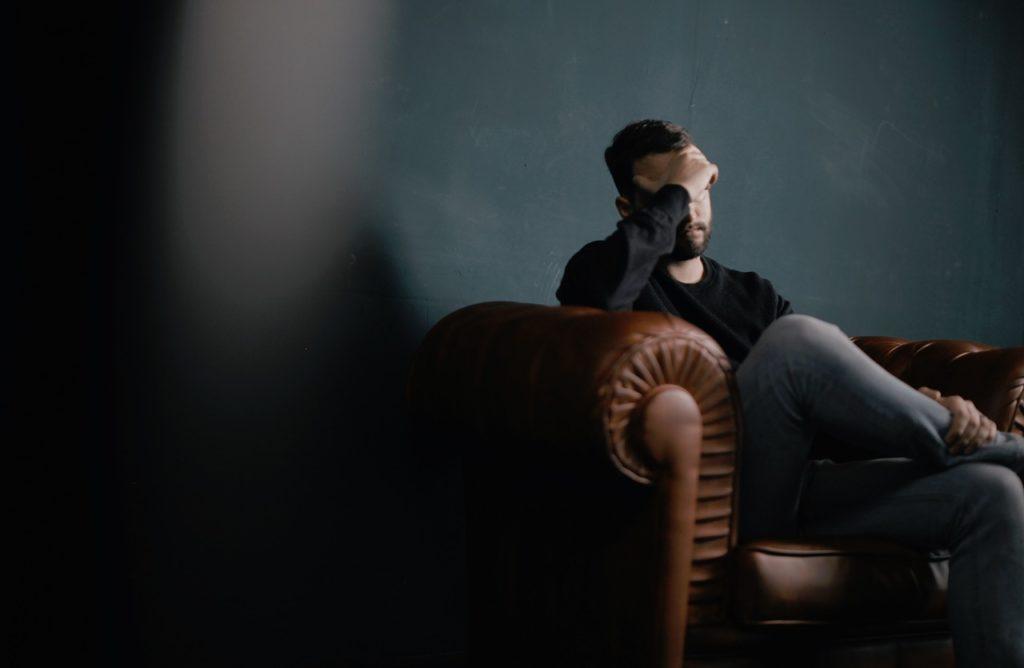 ストレスと頭痛の関係性の画像