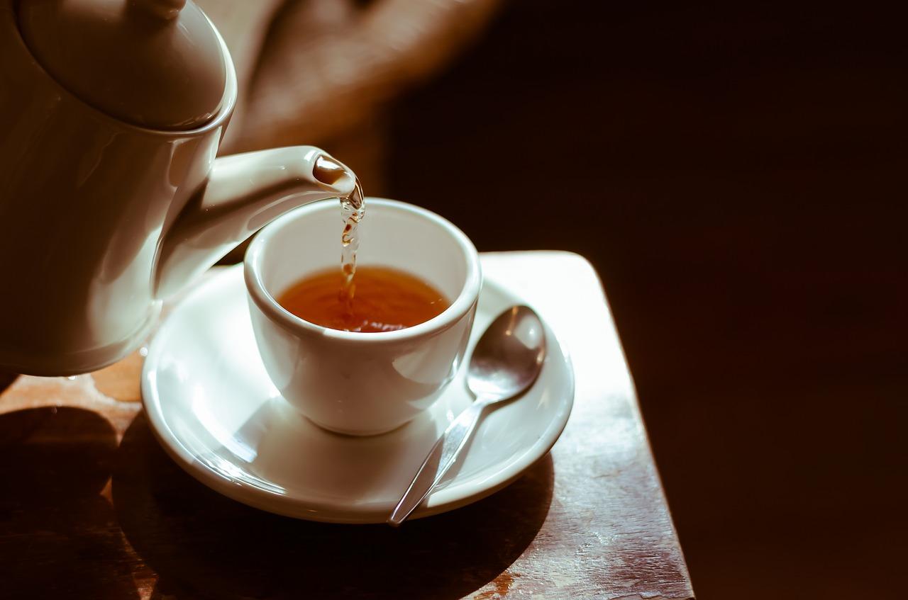 様々なお茶と特徴の画像